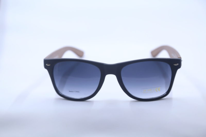 Shady Bamboo Glasses with Black Rim and Wood Temples 2